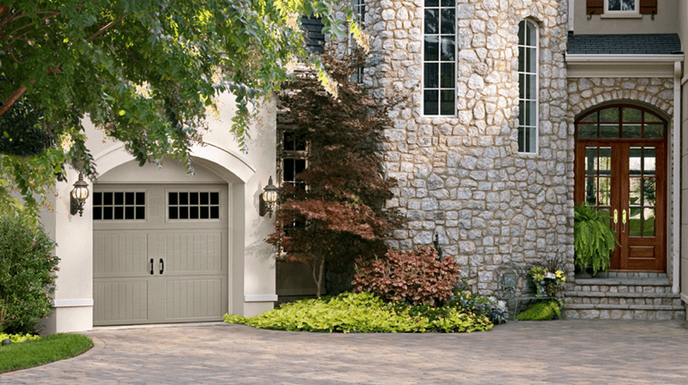 tips for choosing between a garage door with and without windows