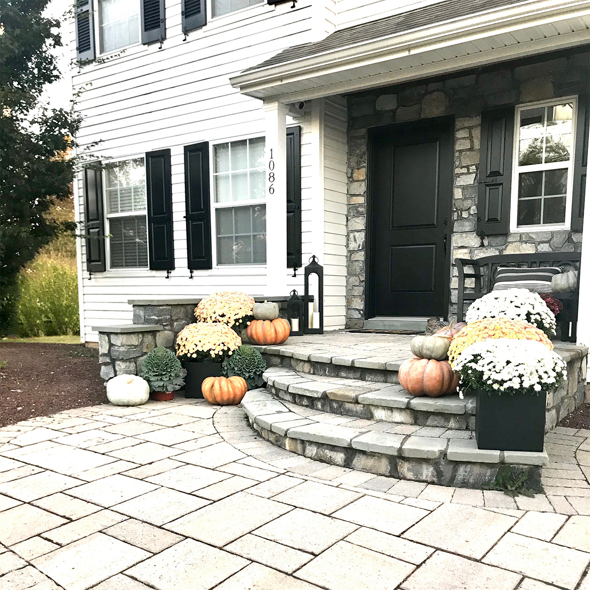 How to Perfect a Fall Outdoor Living Space